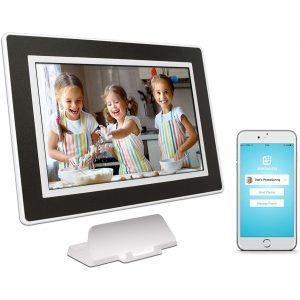 PhotoSpring 16GB Digital Picture Frame